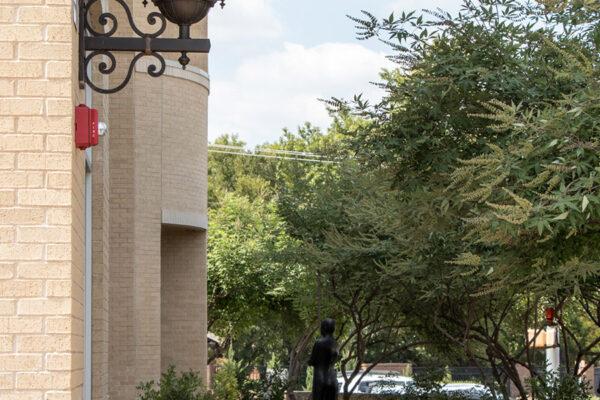 Worthington-Bank-Edwards-Ranch-Rd--Fort-Worth-TX-(3)