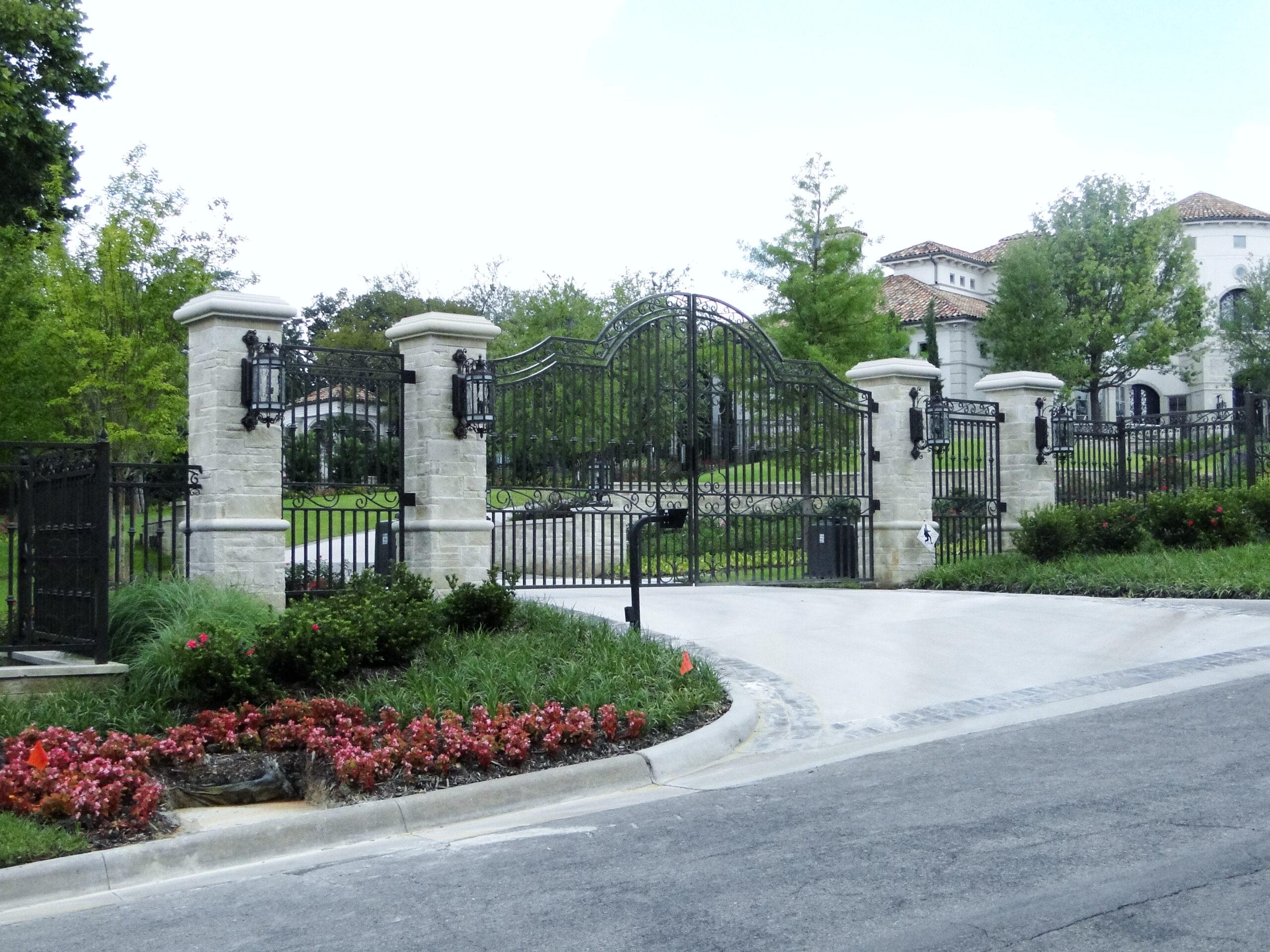 solara-custom-classic-steel-outdoor-lighting-entrance-alexandria