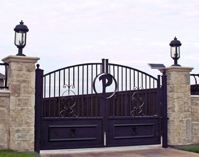 solara-custom-classic-steel-outdoor-lighting-entrance-bellagio