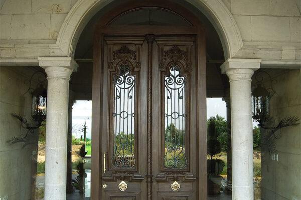 solara-custom-classic-steel-outdoor-lighting-entrance-bounganvillea