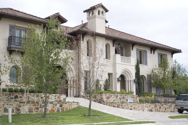 solara-custom-classic-steel-outdoor-lighting-facade-bounganvillea
