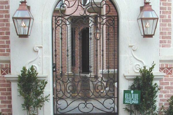 solara-custom-classic-steel-outdoor-lighting-entrance-mardi-gras