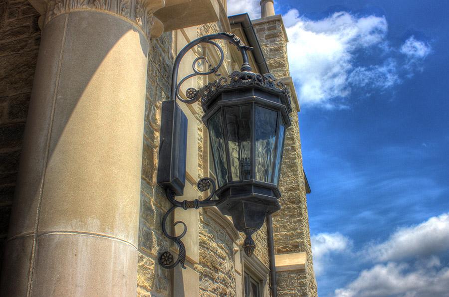 solara-custom-classic-steel-outdoor-lighting-entrance-chianti