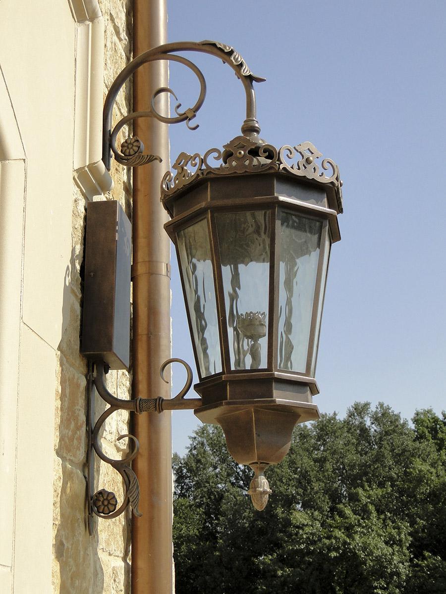 solara-custom-classic-steel-outdoor-lighting-patio-chianti