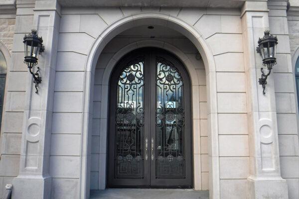 solara-custom-classic-steel-outdoor-lighting-foyer-lucerna