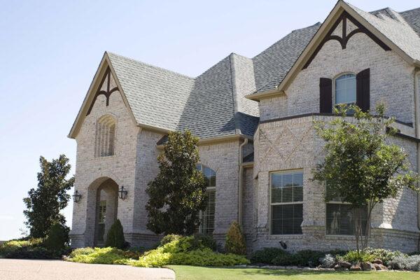 solara-custom-classic-steel-outdoor-lighting-facade-mardi-gras