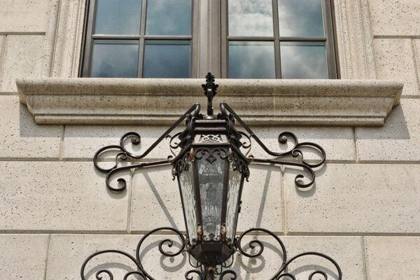 solara-custom-classic-steel-outdoor-lighting-entrance-olympia