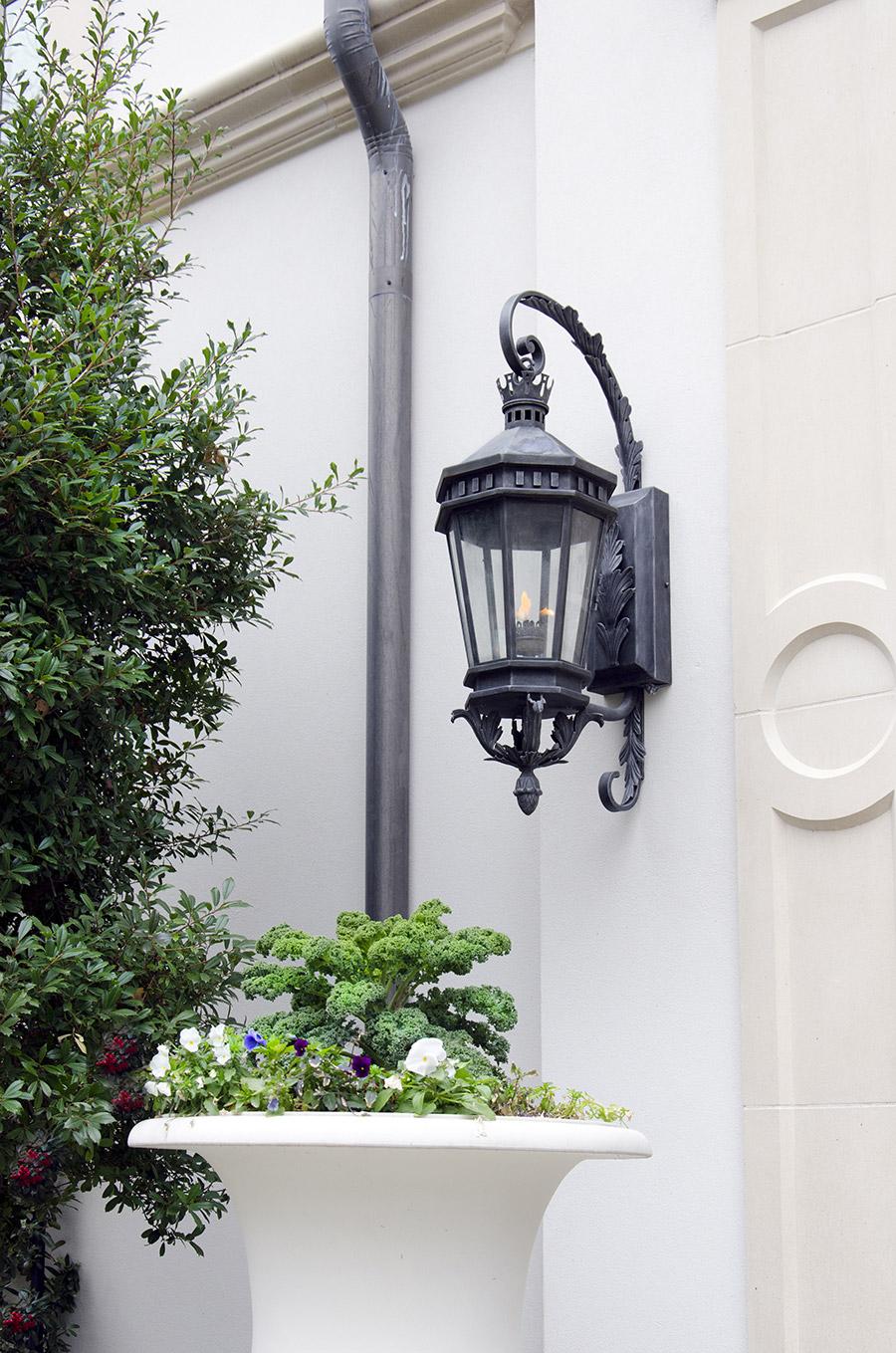solara-custom-classic-steel-outdoor-lighting-patio-lucerna