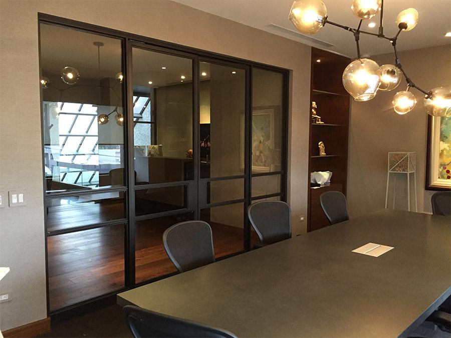 Designer-Office-steel-ARC-Lowprofile-transitional-doors-(3)-como-objeto-inteligente-1