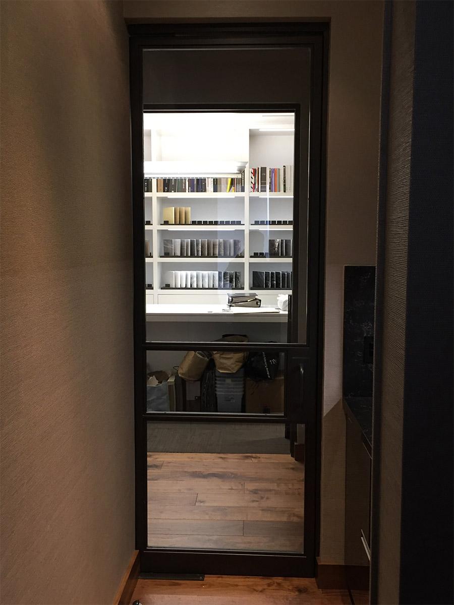 Designer-Office-steel-ARC-Lowprofile-transitional-doors-(8)-como-objeto-inteligente-1