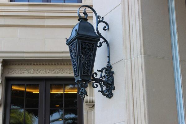 solara-custom-classic-steel-outdoor-lighting-patio-opryland