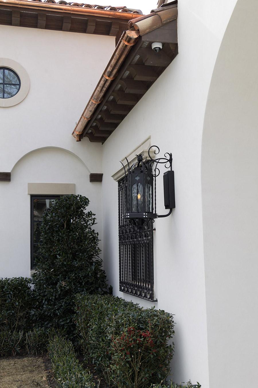 solara-custom-classic-steel-outdoor-lighting-patio-malaga