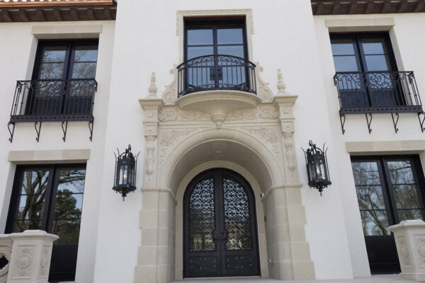 solara-custom-classic-steel-outdoor-lighting-foyer-malaga