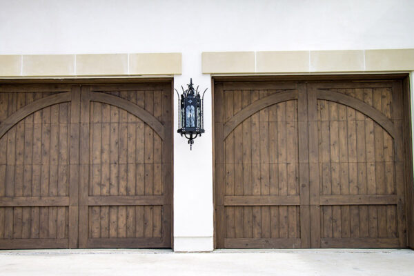 solara-custom-classic-steel-outdoor-lighting-porch-malaga