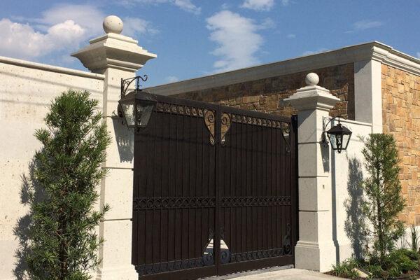 solara-custom-classic-steel-outdoor-lighting-entrance-jardin