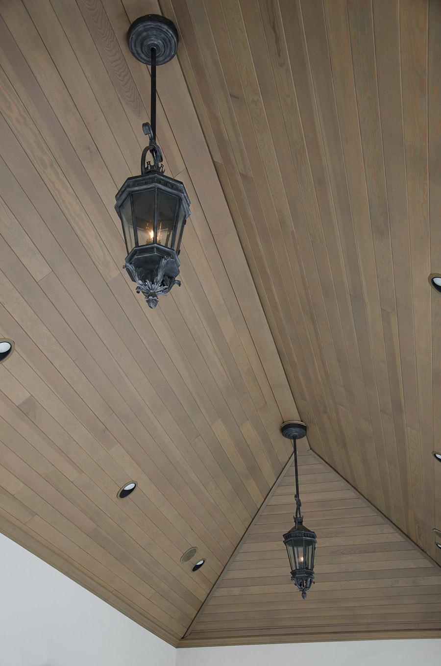 solara-custom-classic-steel-outdoor-lighting-lucerna