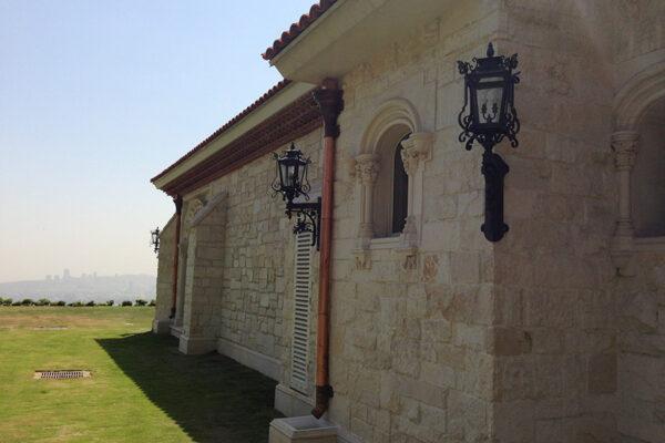 Poblet-classic-iron-doors-custom-outdoor-lighting-architectural-doors-ralings-(29)
