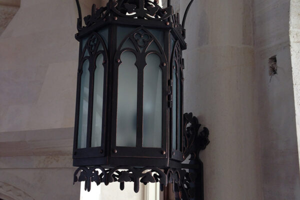 solara-custom-classic-steel-outdoor-lighting-capilla