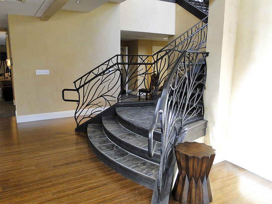 Ronald-McDonald-House-Steel-Commerical-Vine-Doors-Lighting-Railings-(12)-como-objeto-inteligente-1