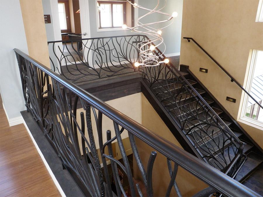Ronald-McDonald-House-Steel-Commerical-Vine-Doors-Lighting-Railings-(37)-como-objeto-inteligente-1
