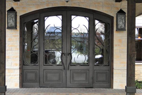 Ronald-McDonald-House-Steel-Commerical-Vine-Doors-Lighting-Railings-(62)-como-objeto-inteligente-1