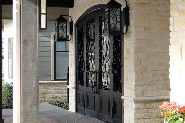 Ronald-McDonald-House-Steel-Commerical-Vine-Doors-Lighting-Railings-(7)-como-objeto-inteligente-1