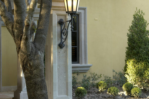 Sicilia-CLA-E-004-classic-outdoor-Steel-Lighting-Santa-Barbara-Residence-(31)