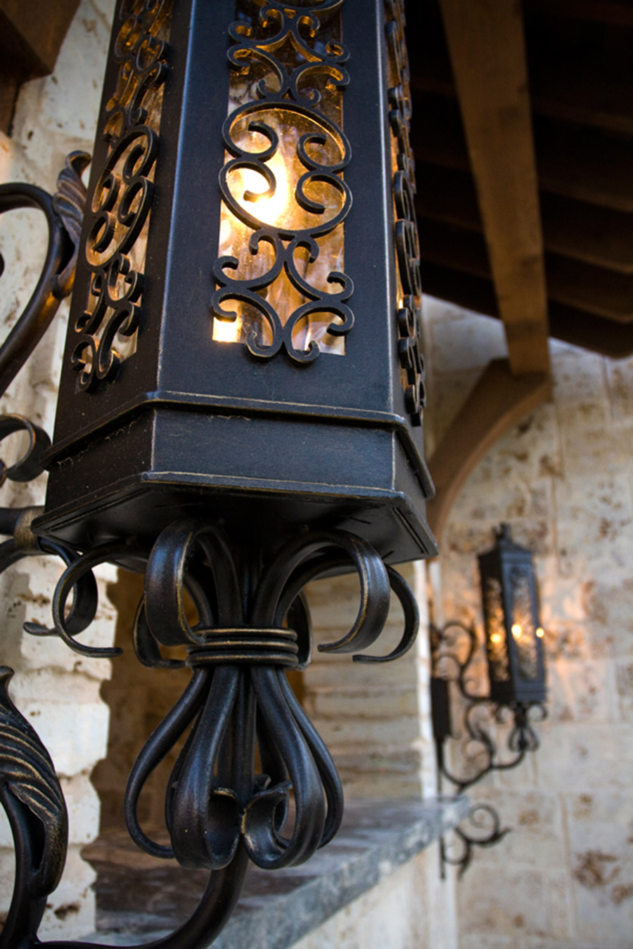 Victory-iron-lighting-fixture-foyer-hall-pendant-entry-kitchen-solara-ligthing-E007-013-EL-(10)