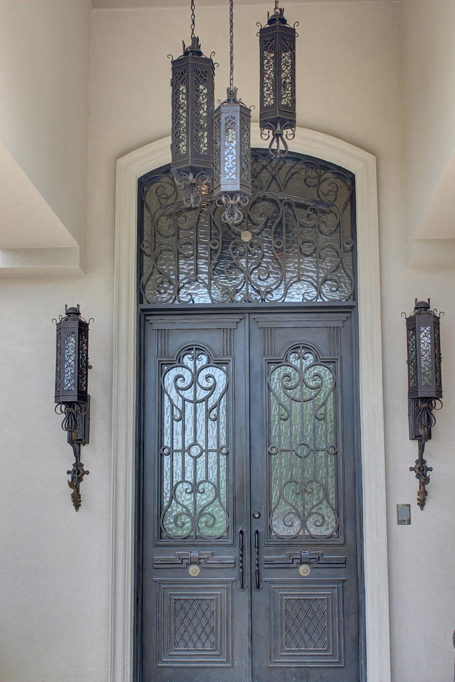 Victory-iron-lighting-fixture-foyer-hall-pendant-entry-kitchen-wrouhgt-iron-door-solara-ligthing-E007-013-EG-(3)