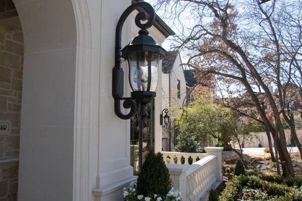 drake-residence-classic-steel-custom-outdoor-lifghting-architectural-doors-railings-winecellar-(64)
