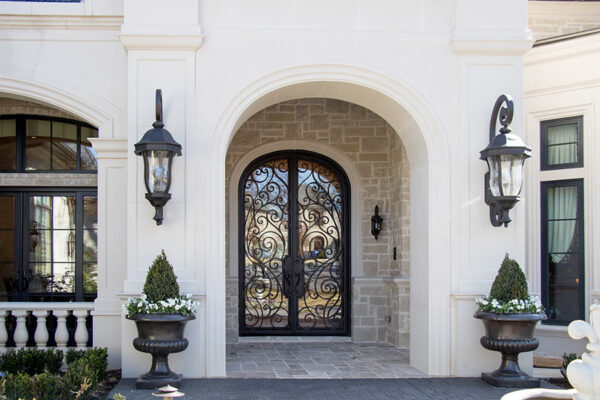drake-residence-classic-steel-custom-outdoor-lifghting-architectural-doors-railings-winecellar-(79)