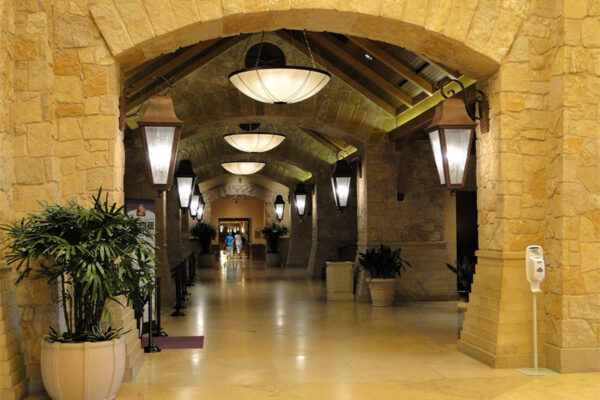 solara-custom-doors-and-lighting-Opryland-wall-sconce-Gaylord-Texan-Resort-Grapevine,-TX-(12)-como-objeto-inteligente-1