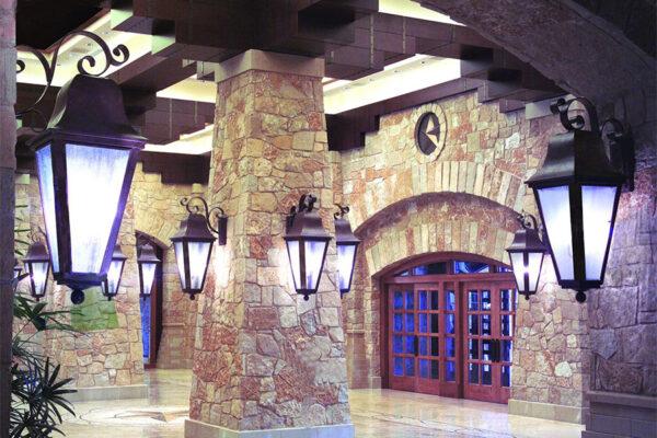 solara-custom-doors-and-lighting-Opryland-wall-sconce-Gaylord-Texan-Resort-Grapevine,-TX-(13)-como-objeto-inteligente-1