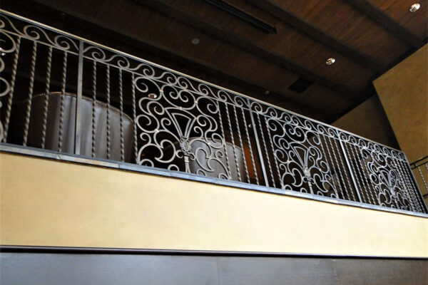 solara-custom-doors-and-lighting-Opryland-wall-sconce-Gaylord-Texan-Resort-Grapevine,-TX-(5)-como-objeto-inteligente-1