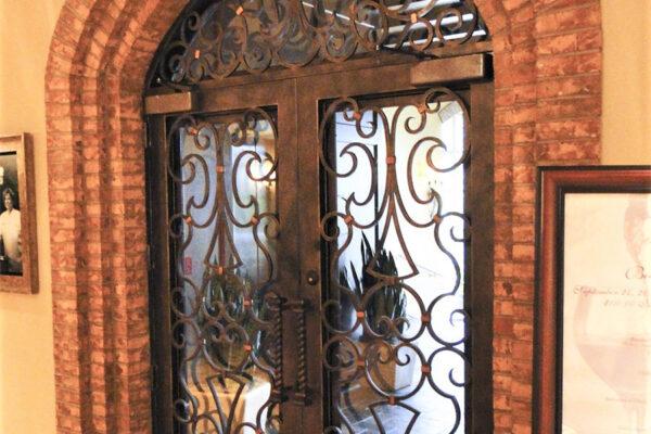 solara-custom-doors-and-lighting-Opryland-wall-sconce-Gaylord-Texan-Resort-Grapevine,-TX-(9)-como-objeto-inteligente-1