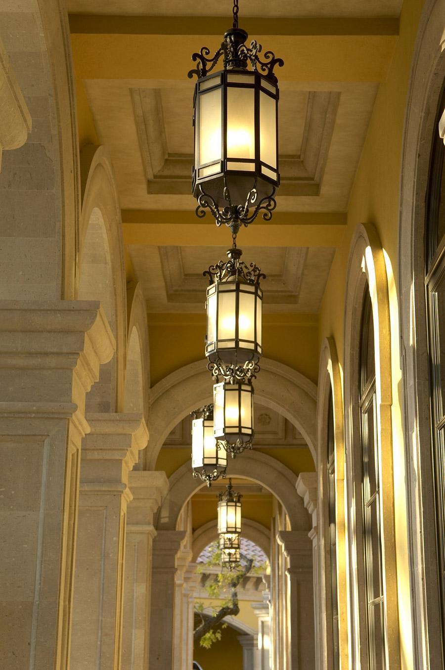 Alexandria-OLS-CLA-F-006-classic-outdoor-Steel-Wall-Mount-Lighting-Santa-Barbara-Residence-(5)