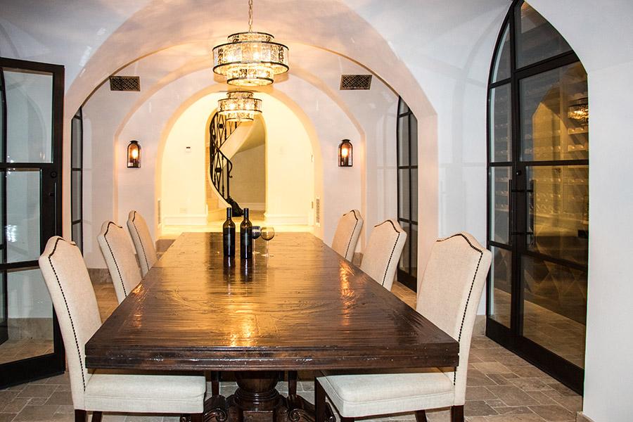 Deloache-Residence-classic-steel-outdoor-lighting-architectural-doors-railing-winnecellar-(34)