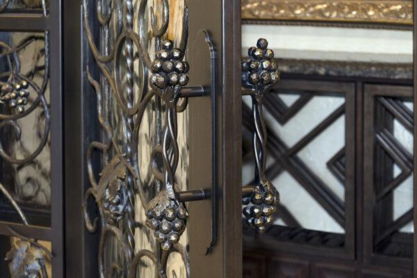 La-Mirada-Lisanti-Residence-Front-Door-Outodoor-Lighting-Steel-Alesandria-OLS-CLA-F-006-Railing--(-(34)