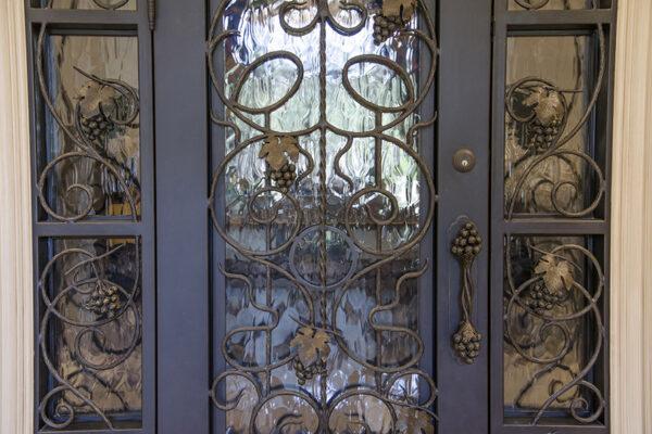La-Mirada-Lisanti-Residence-Front-Door-Outodoor-Lighting-Steel-Alesandria-OLS-CLA-F-006-Railing--(-(59)