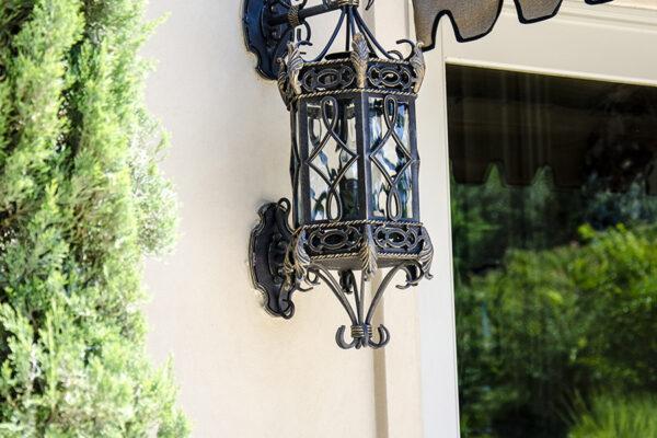 La-Mirada-Lisanti-Residence-Front-Door-Outodoor-Lighting-Steel-Alesandria-OLS-CLA-F-006-Railing--(-(61)
