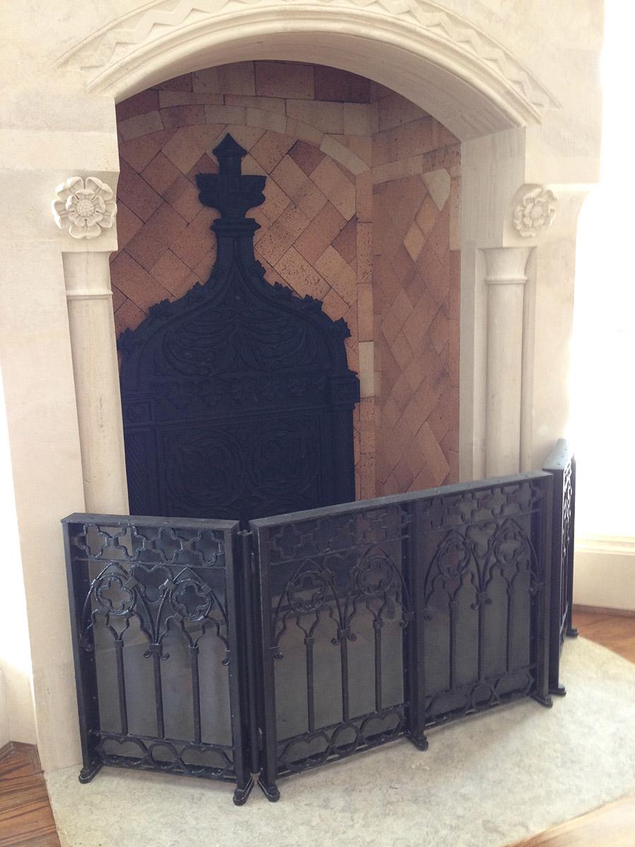 Poblet-classic-iron-doors-custom-outdoor-lighting-architectural-doors-ralings-(102)