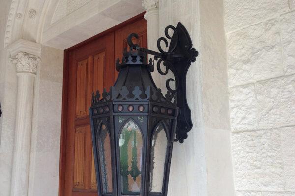 Poblet-classic-iron-doors-custom-outdoor-lighting-architectural-doors-ralings-(109)