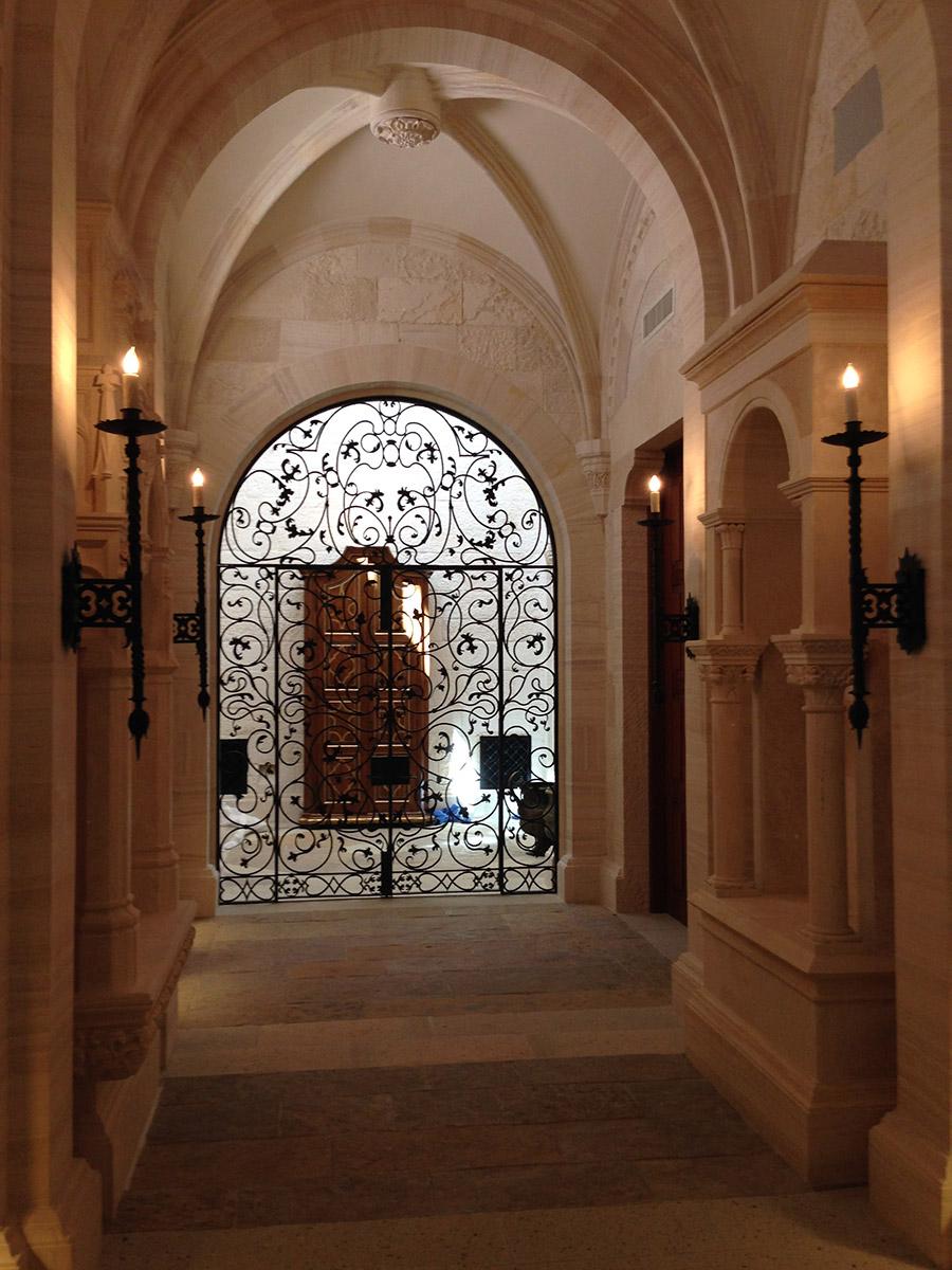 Poblet-classic-iron-doors-custom-outdoor-lighting-architectural-doors-ralings-(81)