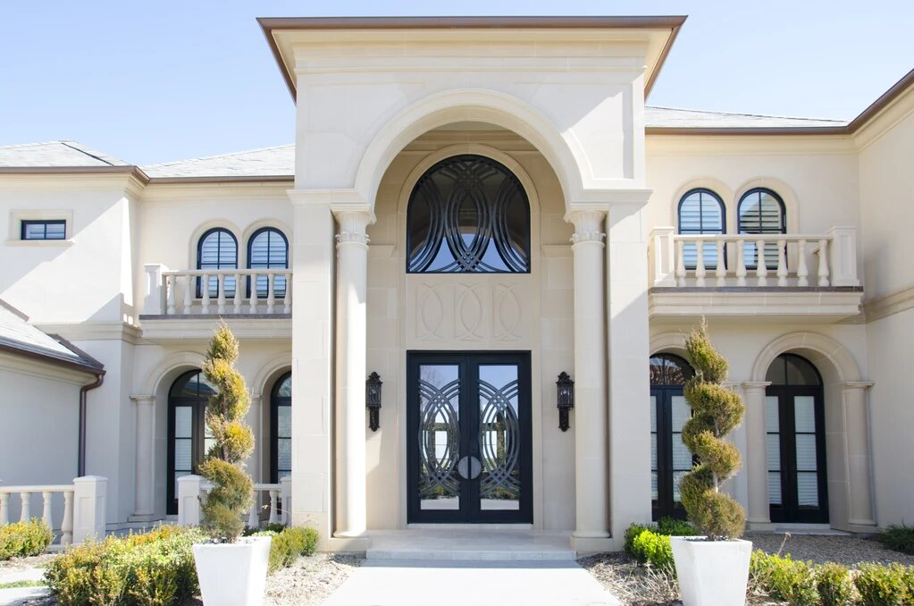 HOW TO DETERMINE YOUR STYLE WHEN CHOOSING A FRONT DOOR