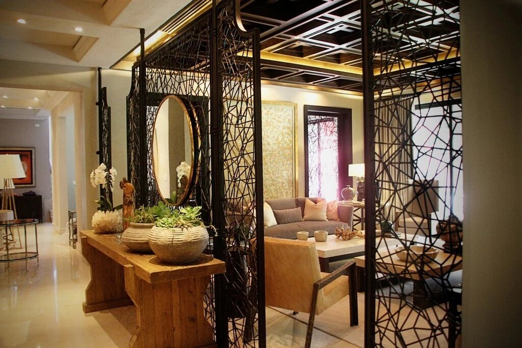 DIVIDE AND COMPLEMENT WITH DECORATIVE SCREENS