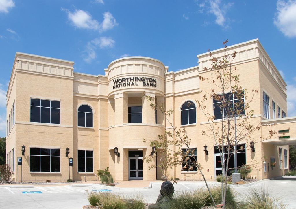 SOLARA GIVES FORT WORTH'S WORTHINGTON NATIONAL BANK A CLASSIC TEXAS LOOK