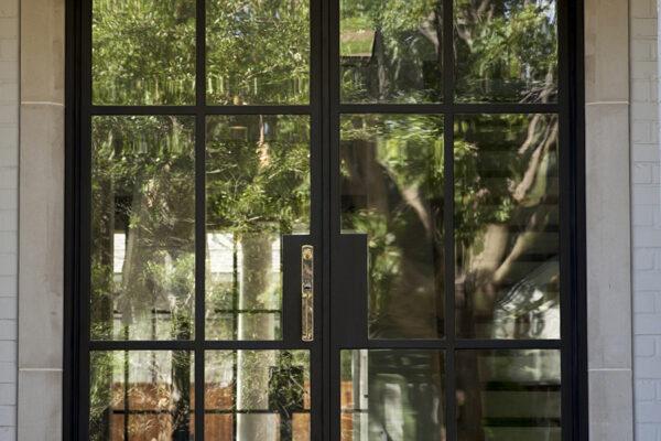Sainton-Residence--ARC-Low-Profile-Steel-Doors-(24)