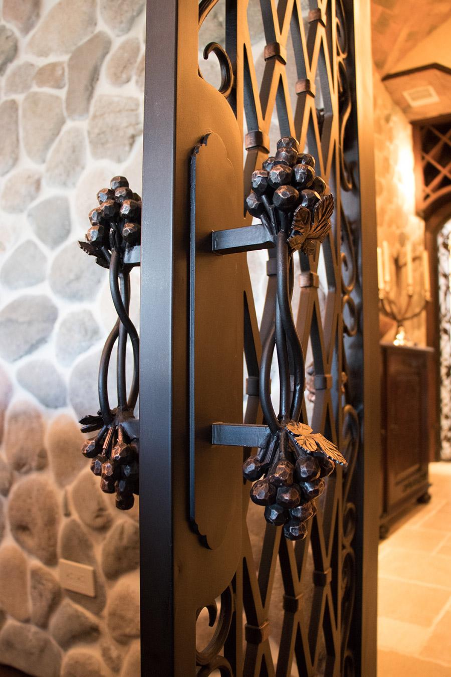 drake-residence-classic-steel-custom-outdoor-lifghting-architectural-doors-railings-winecellar-(232)