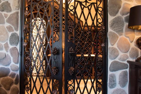 drake-residence-classic-steel-custom-outdoor-lifghting-architectural-doors-railings-winecellar-(235)