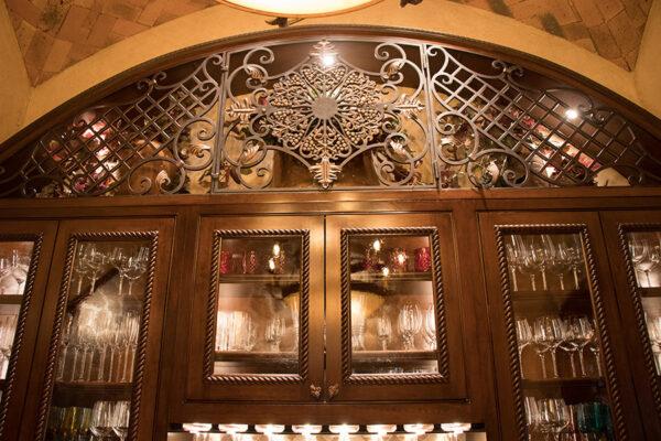 drake-residence-classic-steel-custom-outdoor-lifghting-architectural-doors-railings-winecellar-(244)